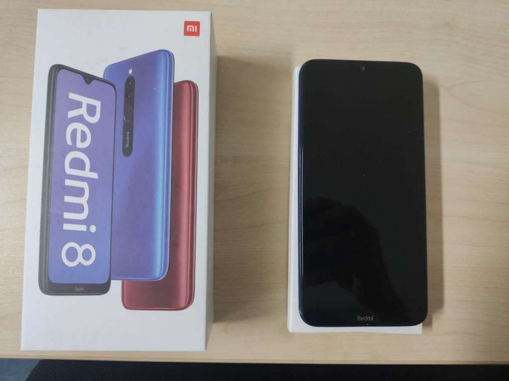 Xiaomi Redmi 8 3/32GB černá - ROZBALENO